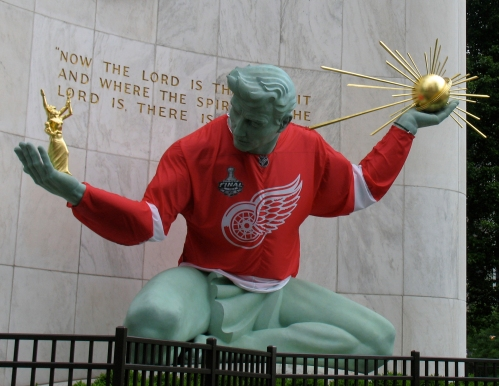 spirit-of-detroit-red-wings_9325.jpg?w=5