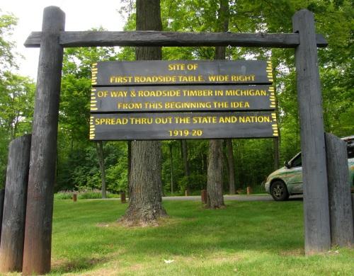 1919 : First Roadside Park in America?